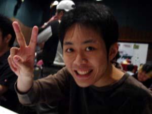 Tomohiro Kaji orders drinks for everyone!